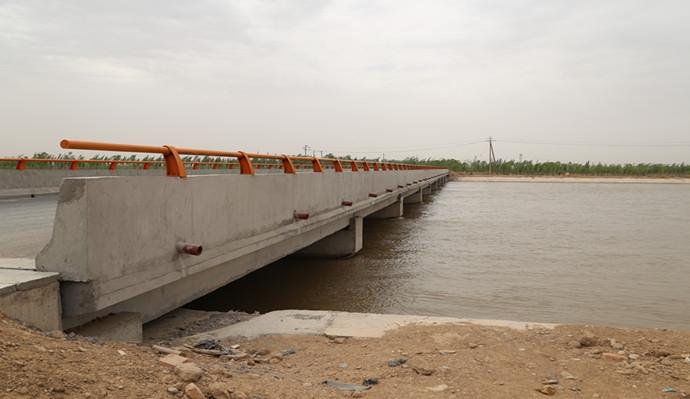 临河总干渠桥   全长127m